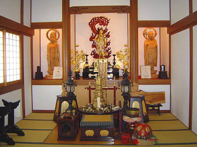 各種仏像安置の仏室